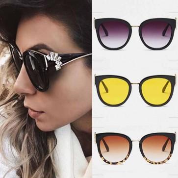 Retro elegant womens cat eye sunglasses rhinestone arms
