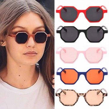 Nail Your Casual Street Style W/ These Tiny Sunglasses