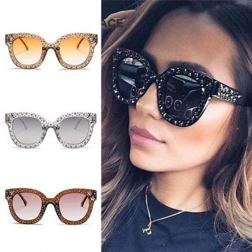 Faddish candy colored frame star rivets sunglasses