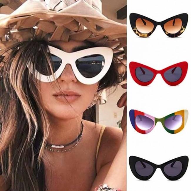 44cd60861 Women's Horn Rimmed Frame Oversize Cat Eye Sunglasses · Zoom