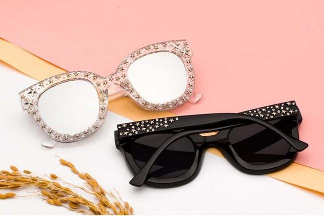 Faddish Star Rivets Amp Bling Crystals Fashion Sunglasses