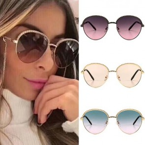 Gold tone metal chains embellished round sunglasses