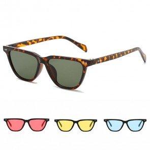 Vintage cat eye sunglasses w/ small dot rivets detail