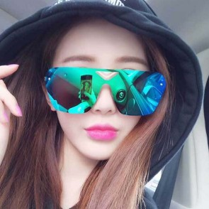 One piece shield lens mirrored wraparound sunglasses