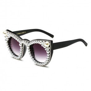 Extravagant rhinestones and pearls cat's eye sunglasses