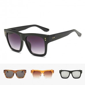 Flat Lens Retrospective Appeal Light Square Sunglasses