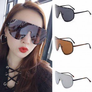 Modern Shield Metal Frame Pilot Sunglasses with Rivets