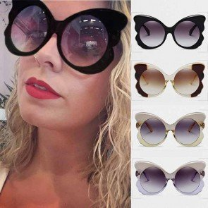 Retro round lens oversize butterfly shaped sunglasses