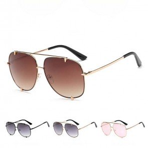 Sleek aviator sunglasses double bridges gradient lenses