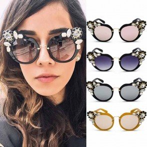 Baroque diamonds sunglasses chic cat's-eye silhouette