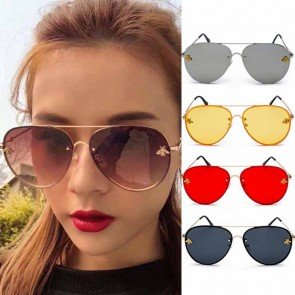 Bees decorated flat top oversized aviator sunglasses