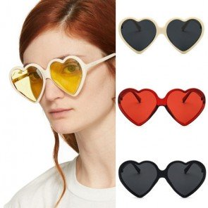 Oversize retro cute heart shaped tinted sunglasses