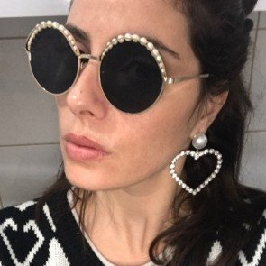 Women fashion round sunglasses w/ luxury pearl beads