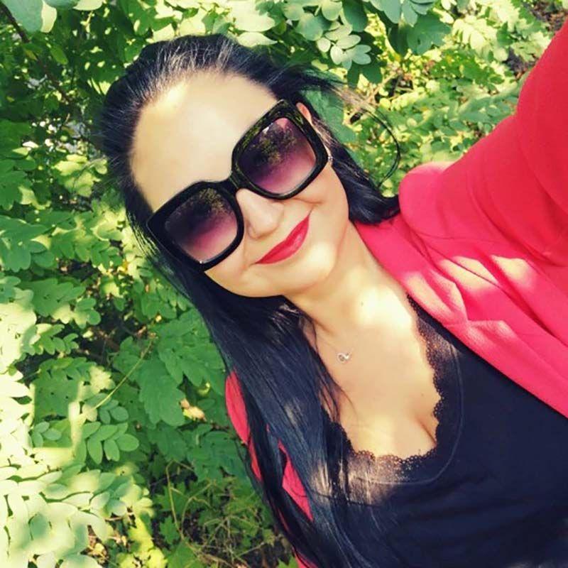Oversized multicoloured fashionable bling sunglasses