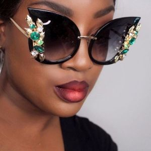 Vintage large lens crystal cat eye oversize sunglasses