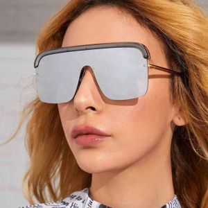 Flat top one piece mono lens mirrored visor sunglasses