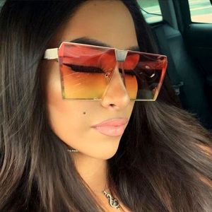 Modern Trapezoid Lens D Frame Gradient Sunglasses